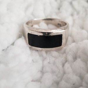 Jewelry - 925, sterling silver ring w/black stone inset